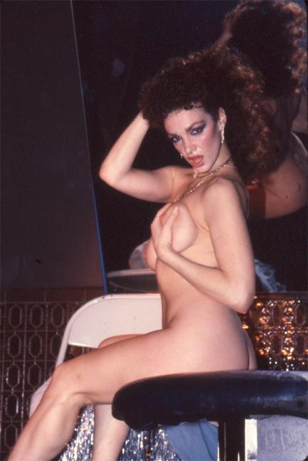 Sue Nero, Show World